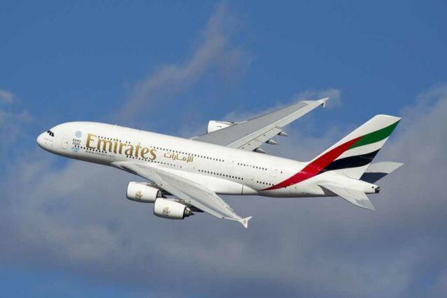 Diskon 10% Promo Tiket Pesawat Mandiri Emirates s.d. 31 Desember 2015