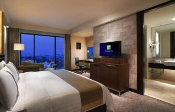 Holiday Inn Bandung - Kamar