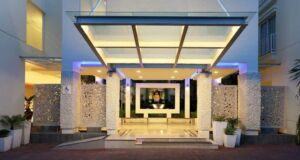 Holiday Inn Express Bali Kuta Square Lobi Hotel