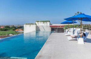 Atanaya Hotel Kuta Bali akomodasi dengan harga terjangkau dan ulasan dangat baik Booking.com - Kolam Renang Infitiny