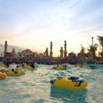 Wahana syracuse beach di Ciputra Waterpark Surabaya dengan ombak-ombak buatan