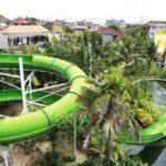 Spiral Tube meluncur di lintasan spiral akan menguji adrenalin ketika mencoba wahana ini di Circus Waterpark Kuta Bali.