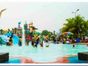 Depok Fantasi Waterpark salah satu tempat rekerasi keluarga yang bertemakan wahana permainan air. Menawarkan berbagai permainan menarik yang cocok baik untuk anak-anak dan juga dewasa. Berikut informasi Harga Tiket Masuk nya.
