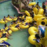 Buat yang suka menaguringi suangai berarus wajib mencoba wahana waimea stream river Hawai Waterpark Malang