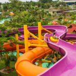 Raft Slider wahana dengan panjang hampir 230 meter akan membawa kamu melintasi taman hijau Water Kingdom Mekarsari