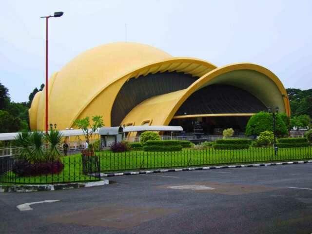 Teater IMAX Keong Emas TMII
