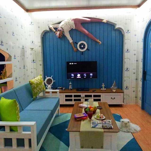 Upside Down World Bandung dengan konsep rumah Terbalik