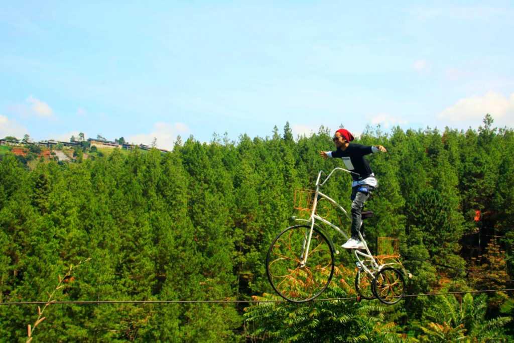 Wahana Sky Bike