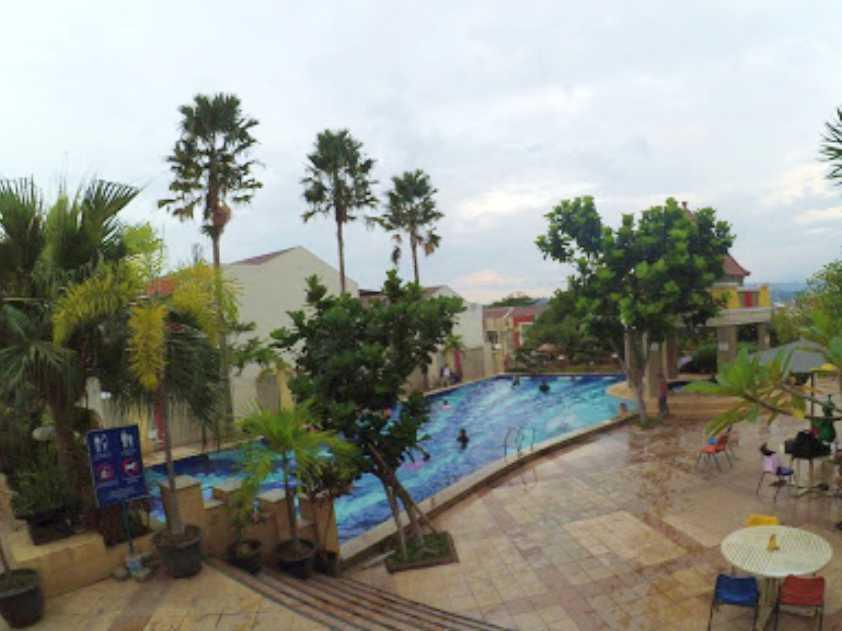 kolam dewasa