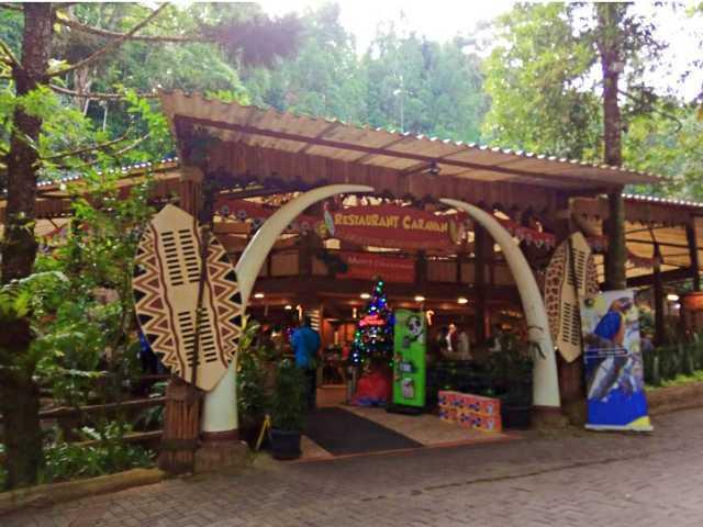 Restoran Safari Lodge Cisarua