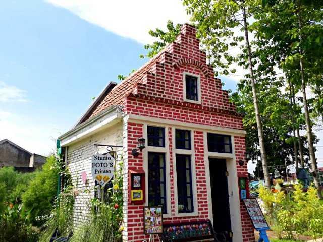 gaya bangunan desa belanda
