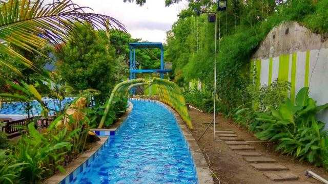 kolam arus royal water adventure