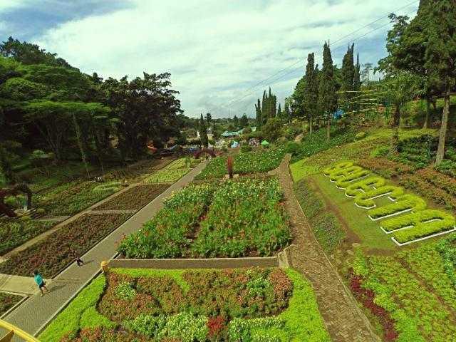 Taman Bunga Selecta Malang