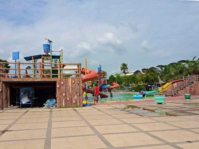 wahana kertosono waterpark
