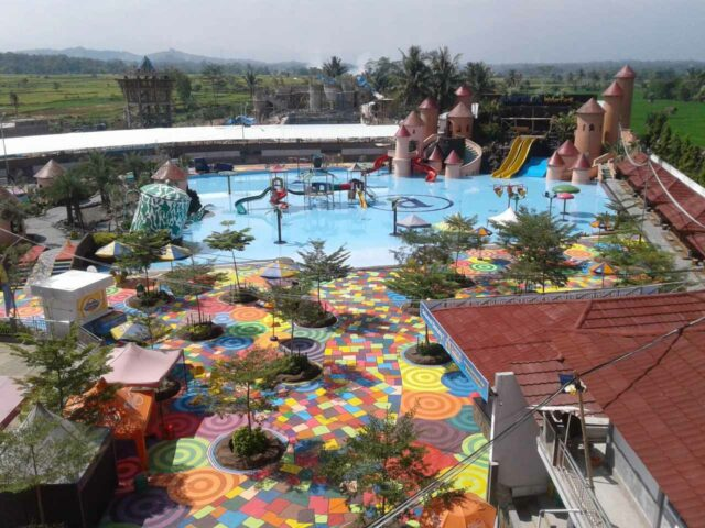 Area Kolam & Wahana Ampera Waterpark