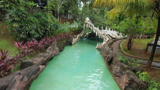wahana kolam arus