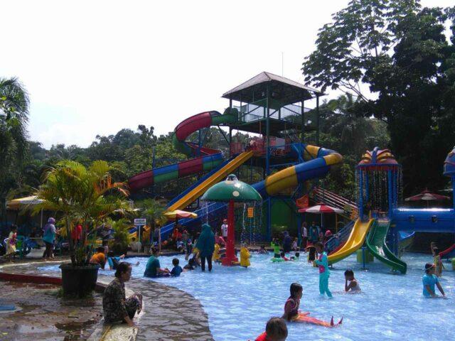 kolam main anak dan water slide fishing valley bogor