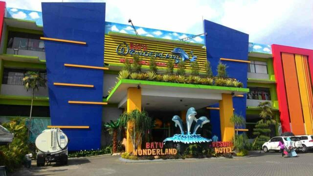 batu wonderland waterpark & resort hotel