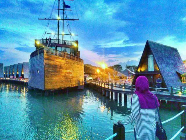 Kapal Chengho Cirebon Waterland