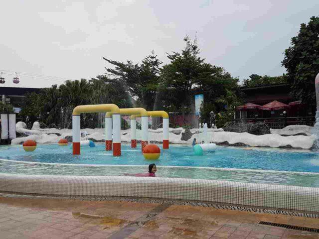 wahana kolam bermain anak-anak
