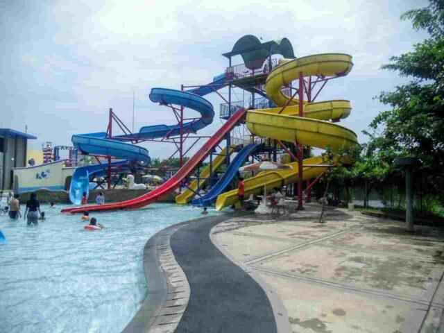 peluncuran grand splash waterpark bekasi