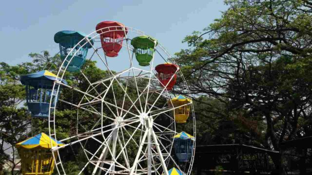 wahana non air kincir ferris wheel