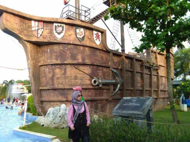 ornamen ikonik kapal colombus