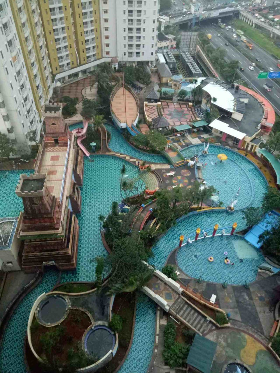 area marcopolow waterpark serpong
