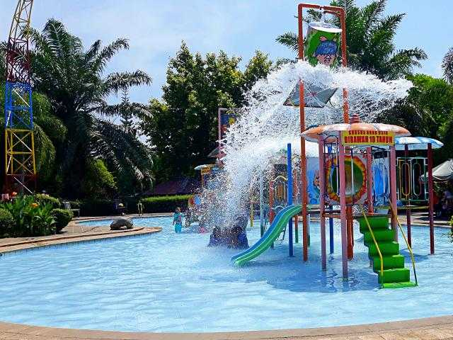 The Fountain Ungaran Waterpark