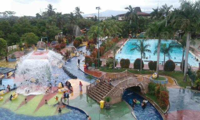 area krakatau water world
