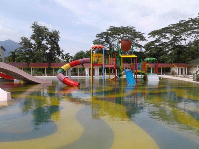 kolam dan permainan anak