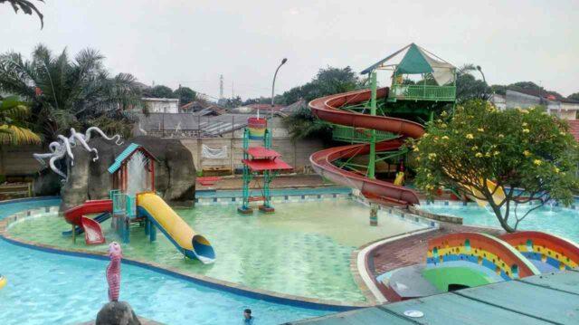 kolam dan peluncuran air