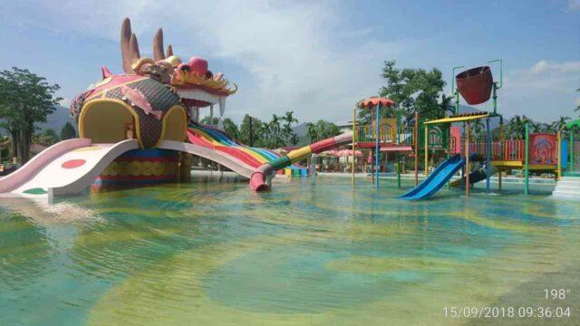 kolam dan wahana permainan anak