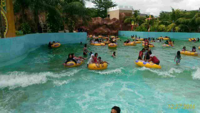 kolam ombak yang jarang sepi