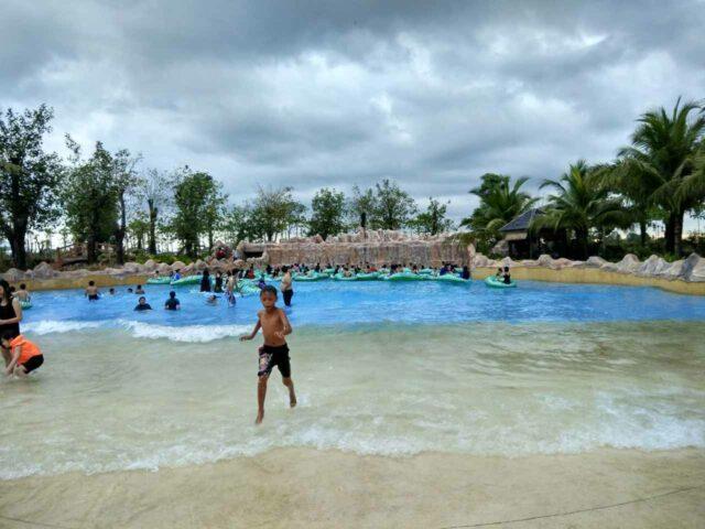 kolam ombak