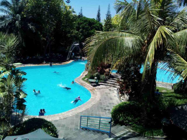 kolam renang dewasa the fountain ungaran