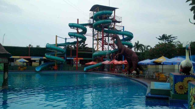peluncuran tinggi 15 meter waterpark sun city