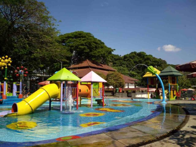 kolam anak-anak