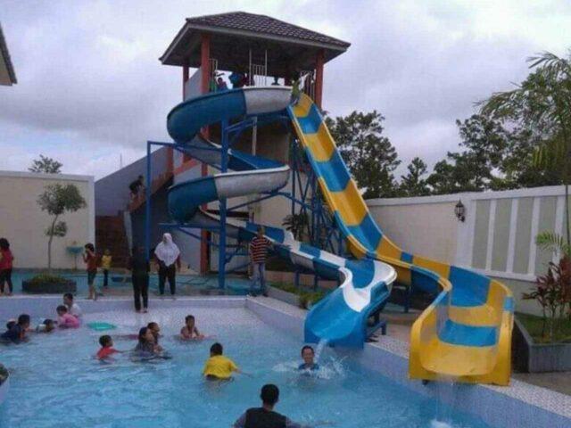 kolam dan peluncuran dewasa