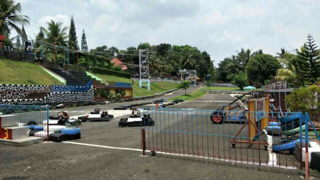 area bermain go cart Owabong Water Park