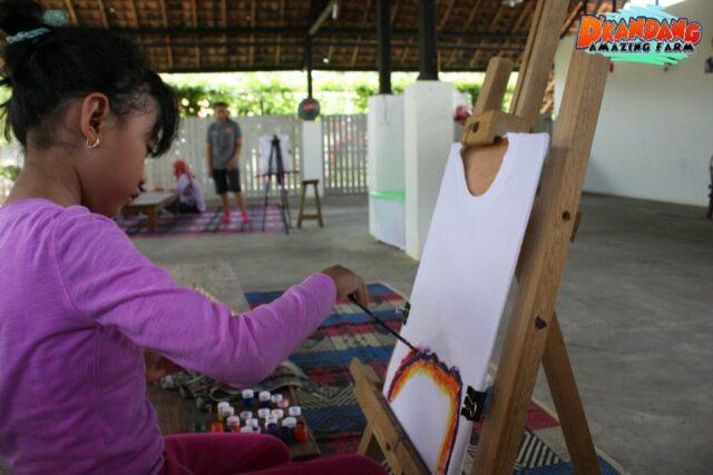 aktivitas melukis anak