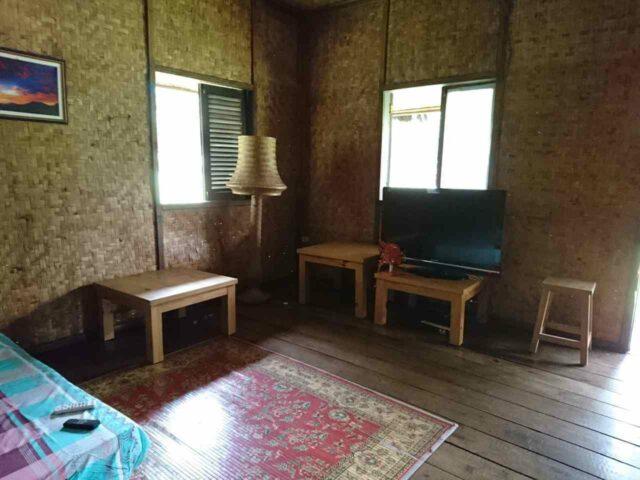 interior penginapan kampung budaya sindang barang