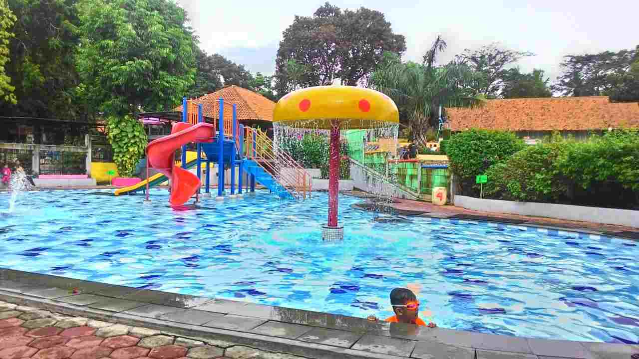 kolam bermain khusus anak kampung main cipulir