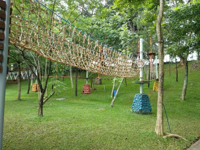 wahana outbond jaring tali
