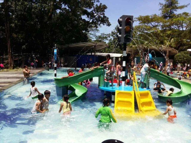 kolam renang mini untuk anak-anak