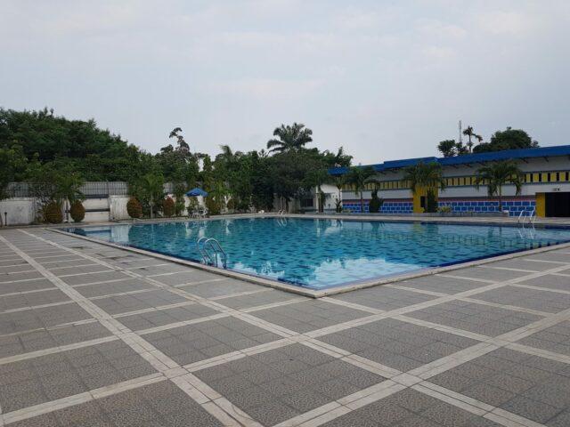 Belajar Berenang di Olimpic Pool