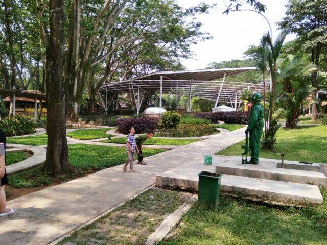 Jembatan Eco Art Park dari Kejauhan