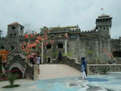 Kastil di The Lost World Castle Jogja