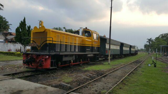 Kereta Uap Wisata