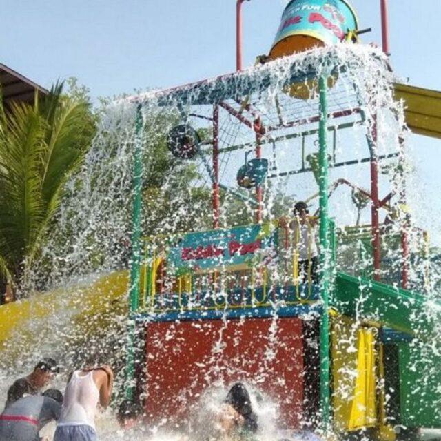 Keseruan Anak-anak Bermain di Kiddie Pool